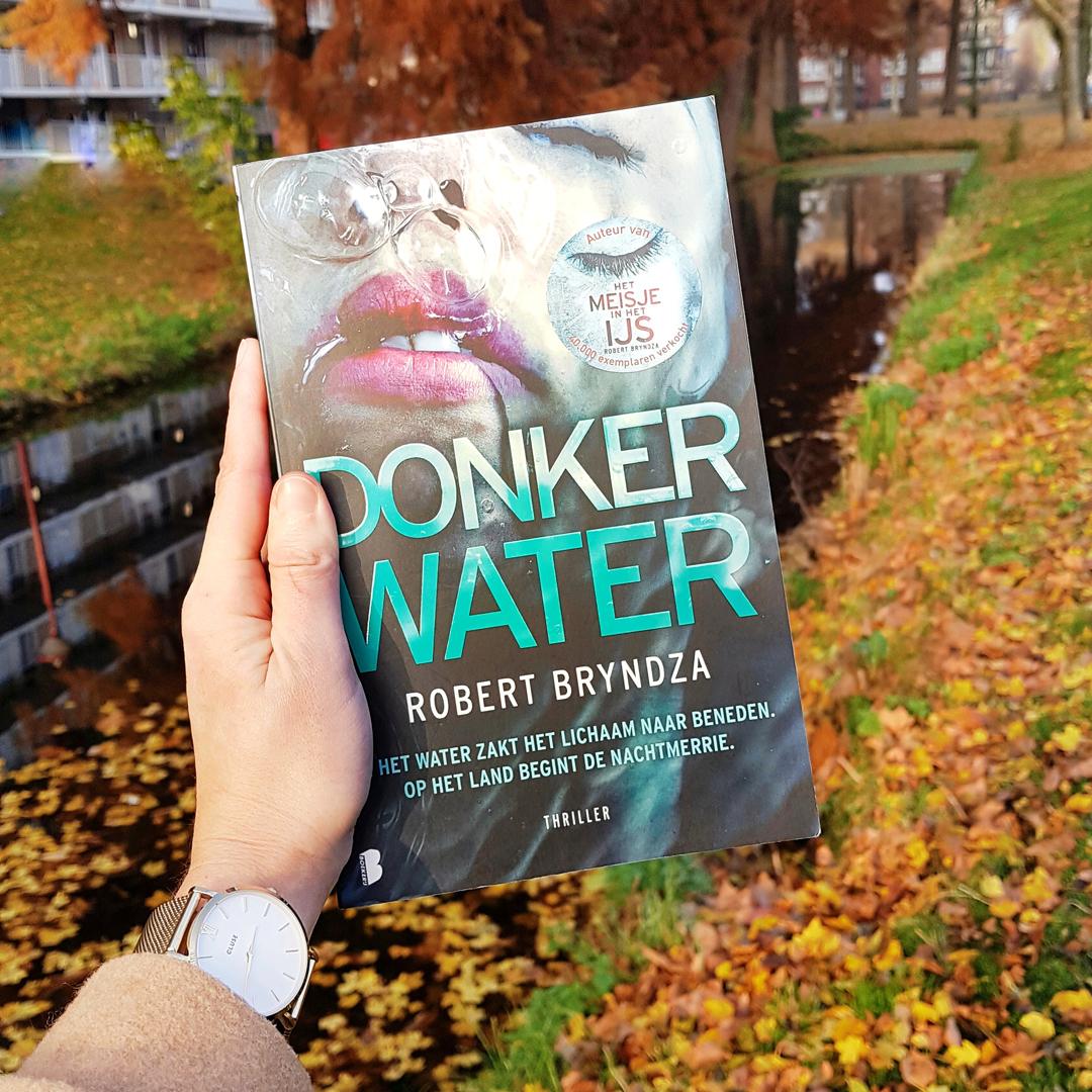 Boekrecensie: Robert Bryndza - Donker water