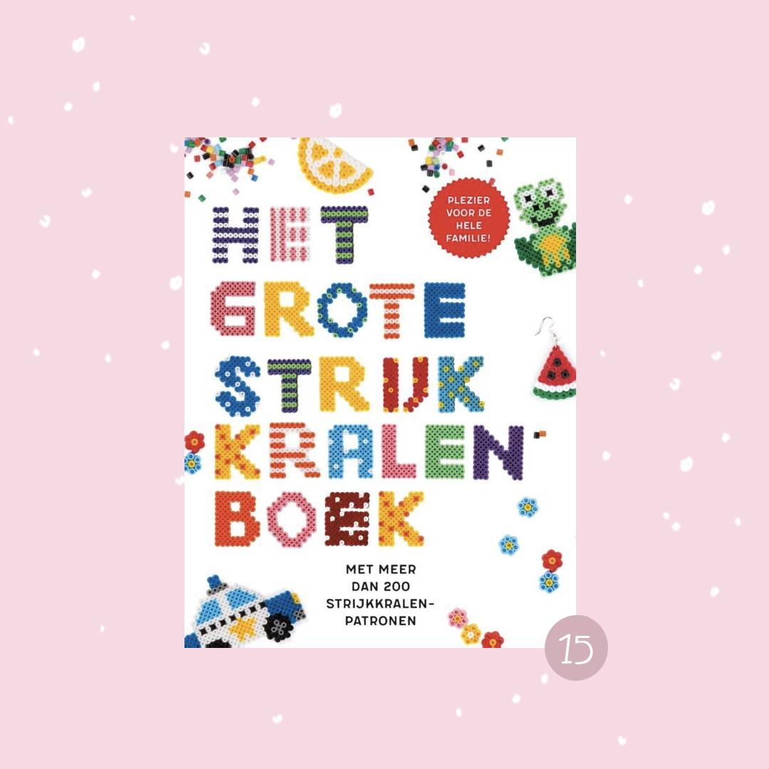 De leukste boeken om cadeau te doen met kerst: Het grote strijkkralenboek (kerstcadeaus)