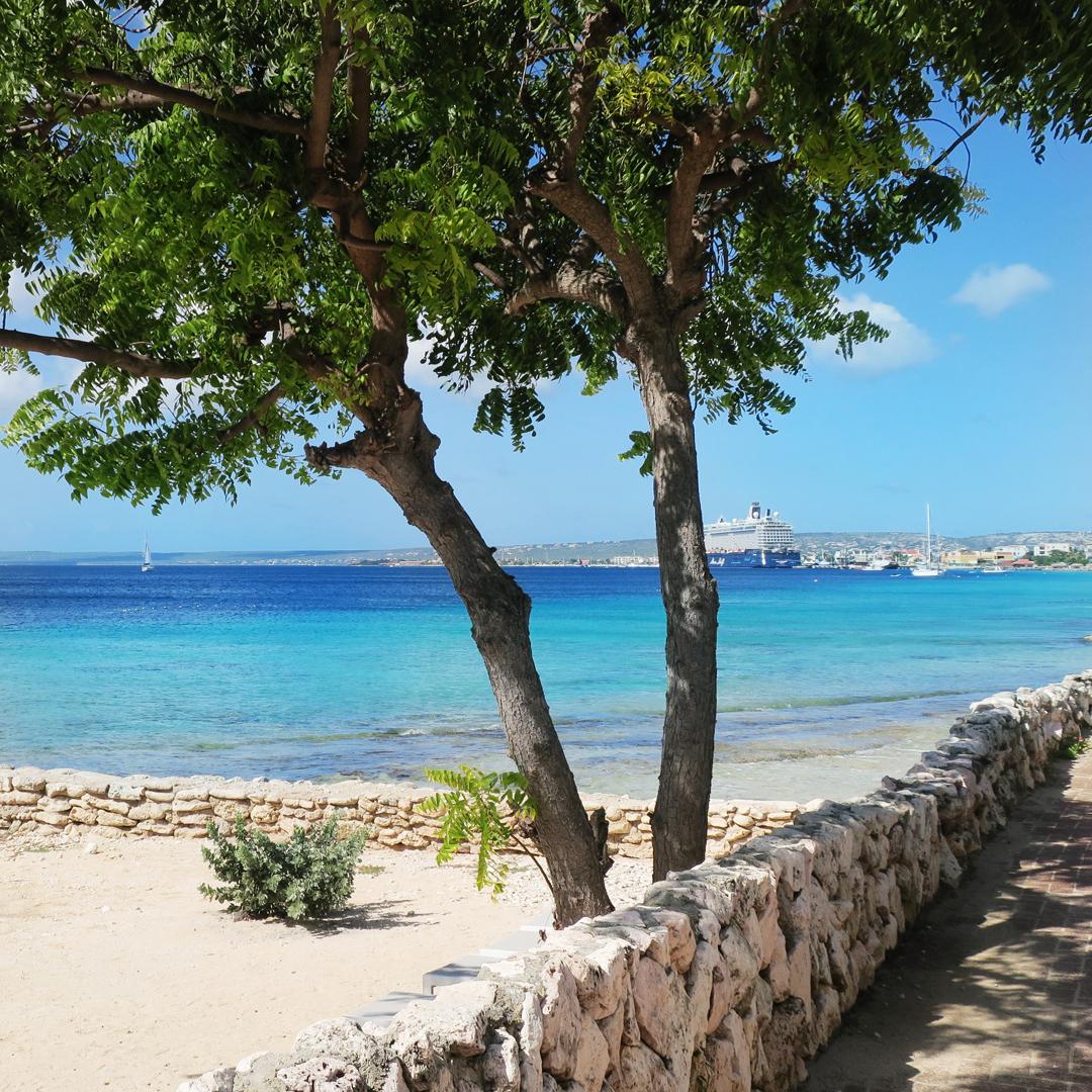 Boekrecensie: Christina Lauren - Ik weet niet of ik van je houd (in Bonaire!)