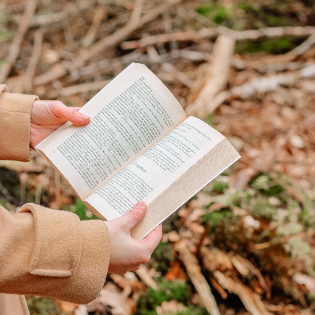 Lezen in het bos