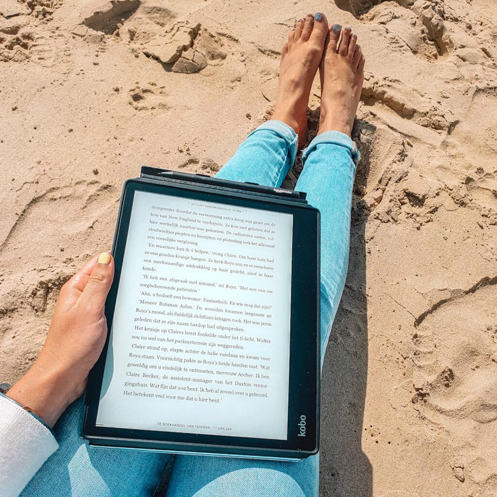 Kobo Elipsa gebruiken op het strand